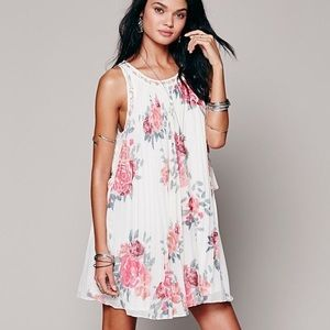 Free People floral pleated tent dress